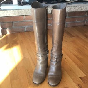 Tory burch heeled boot